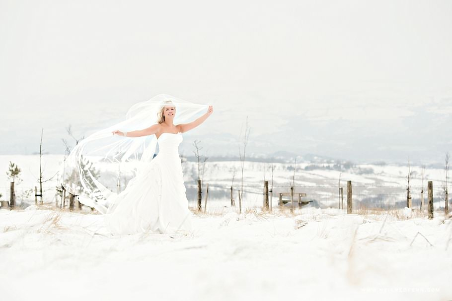 Bride in the snow 01