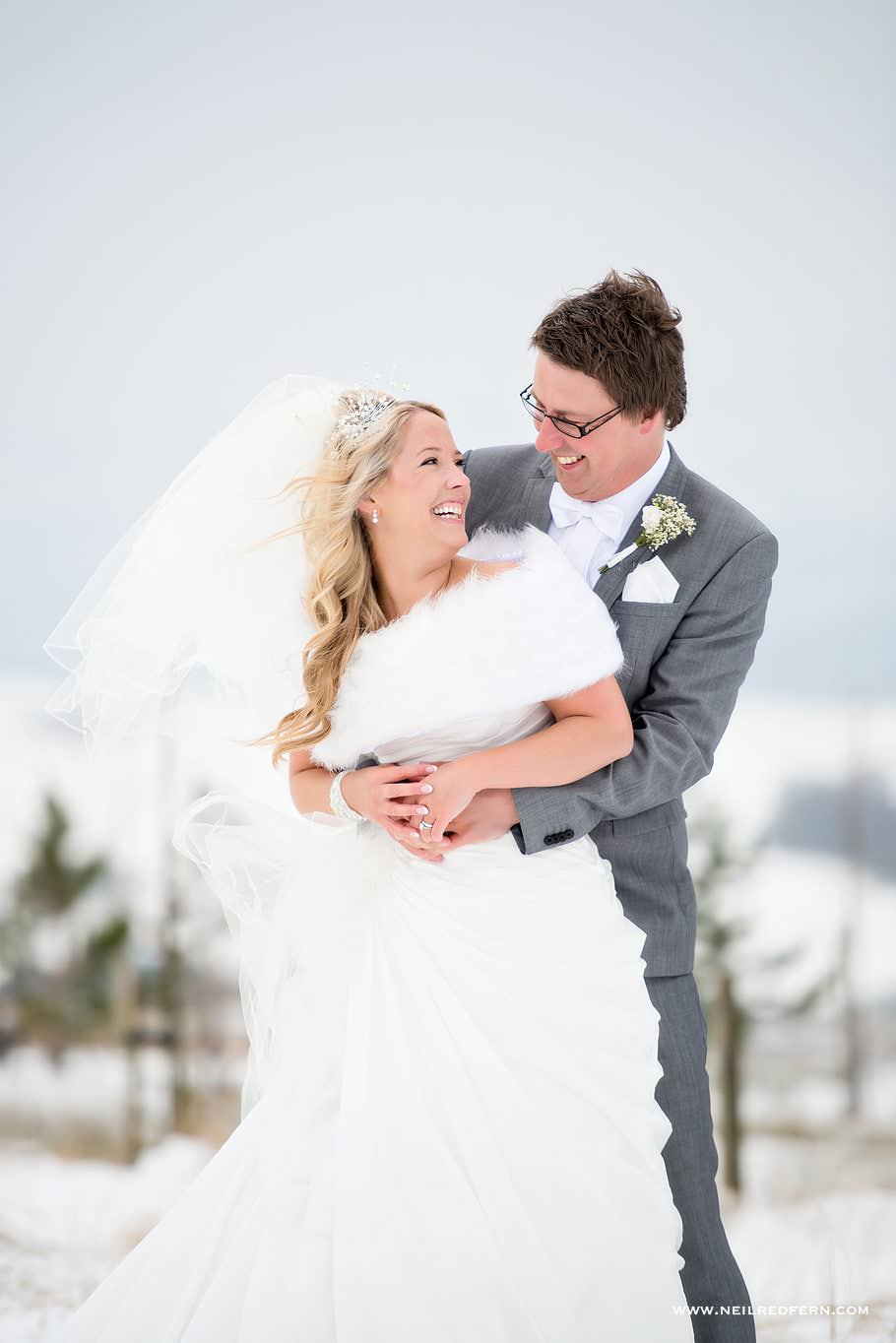 Wedding photographs in the snow 08