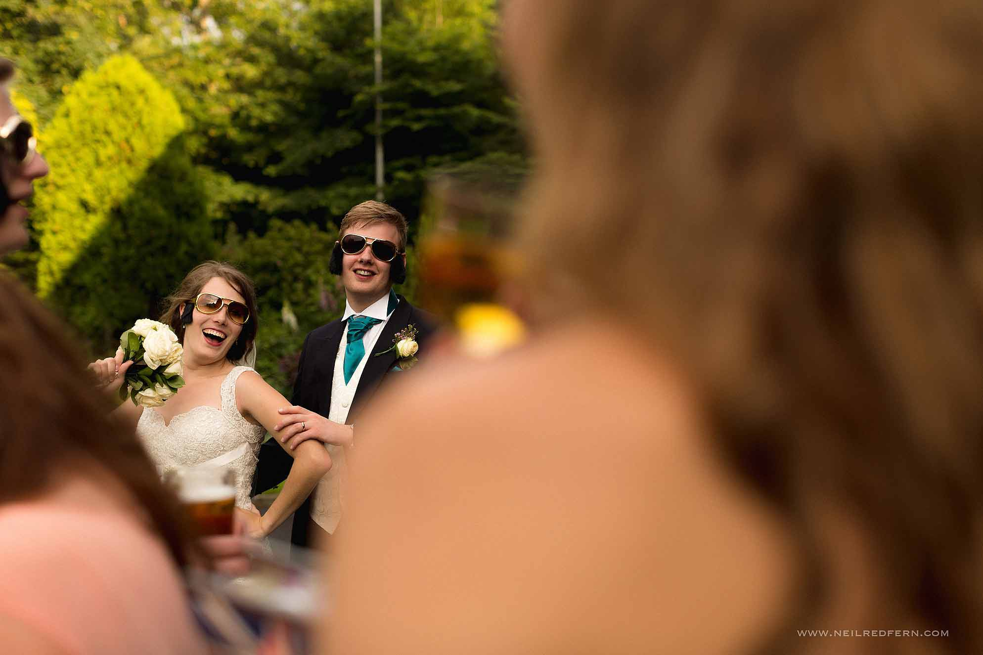 funny photo of bride and groom