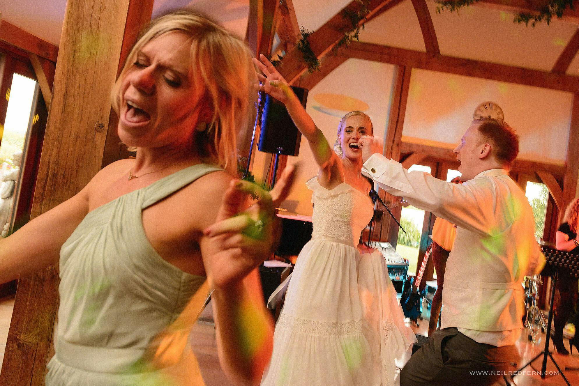 sandhole oak barn wedding photographer 54