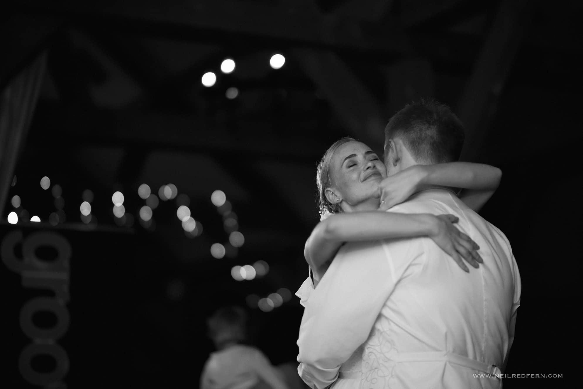 sandhole oak barn wedding photographer 58