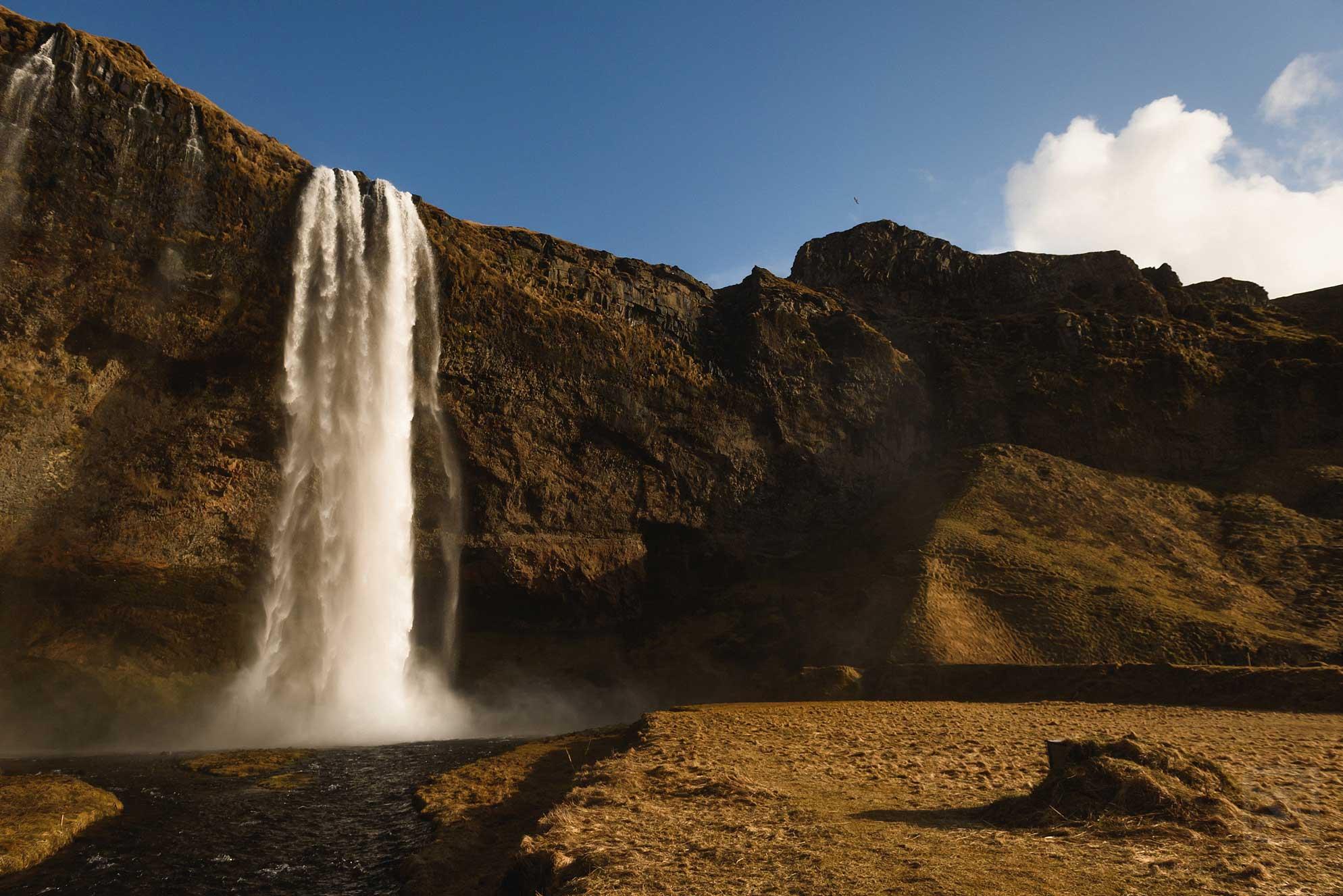02-Seljalandsfoss-waterfall-Iceland