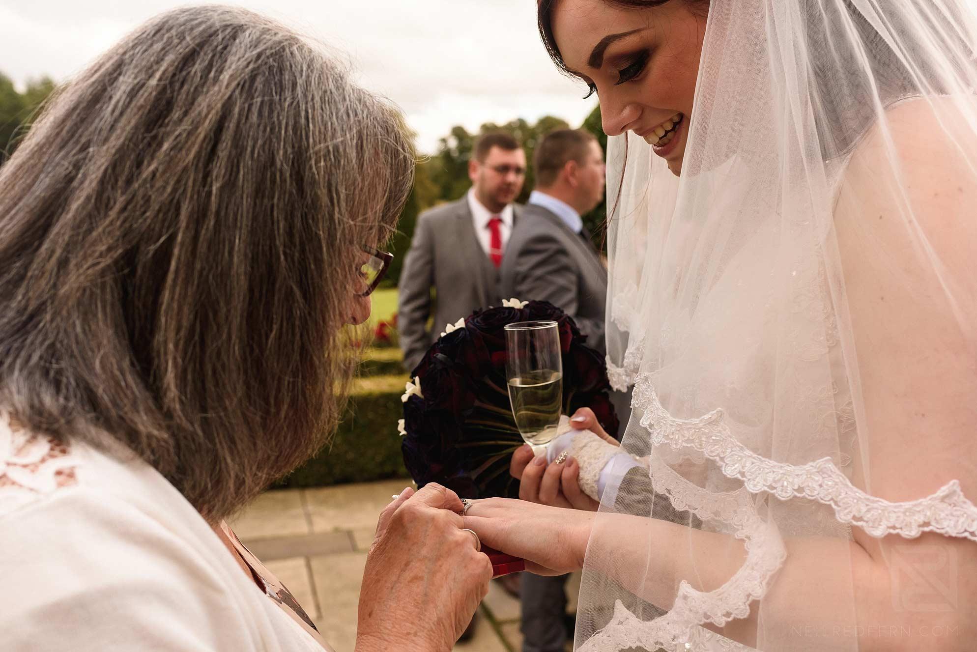 bride show wedding ring