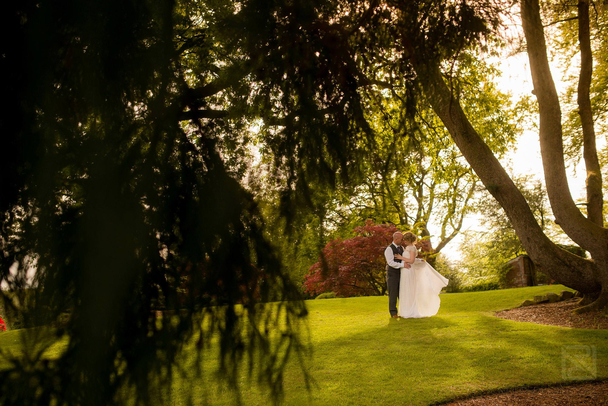 newlyweds outside Broadoaks Country House
