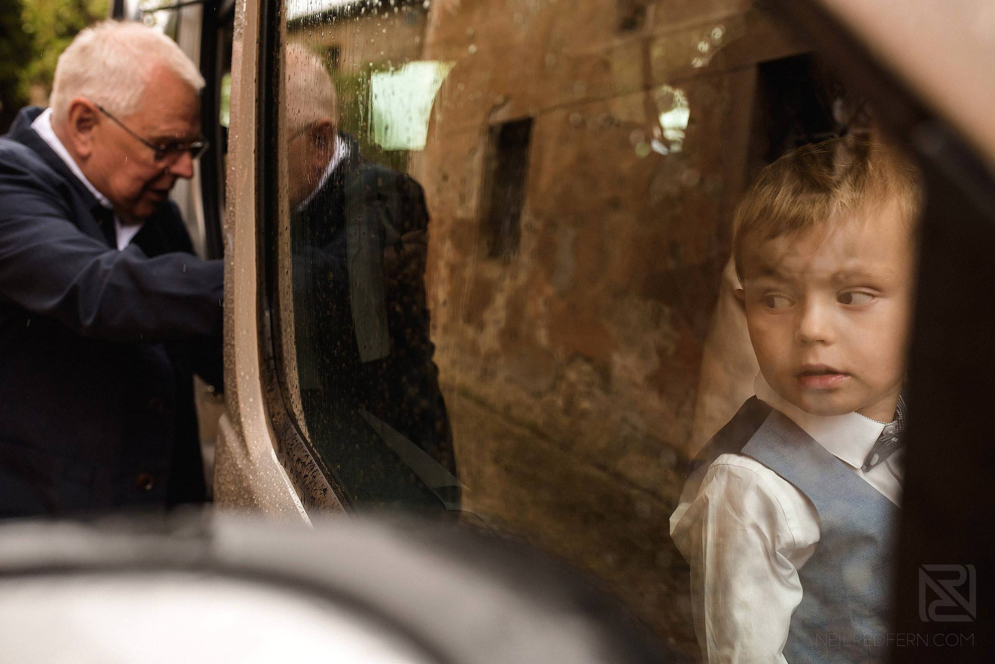 pageboy in car