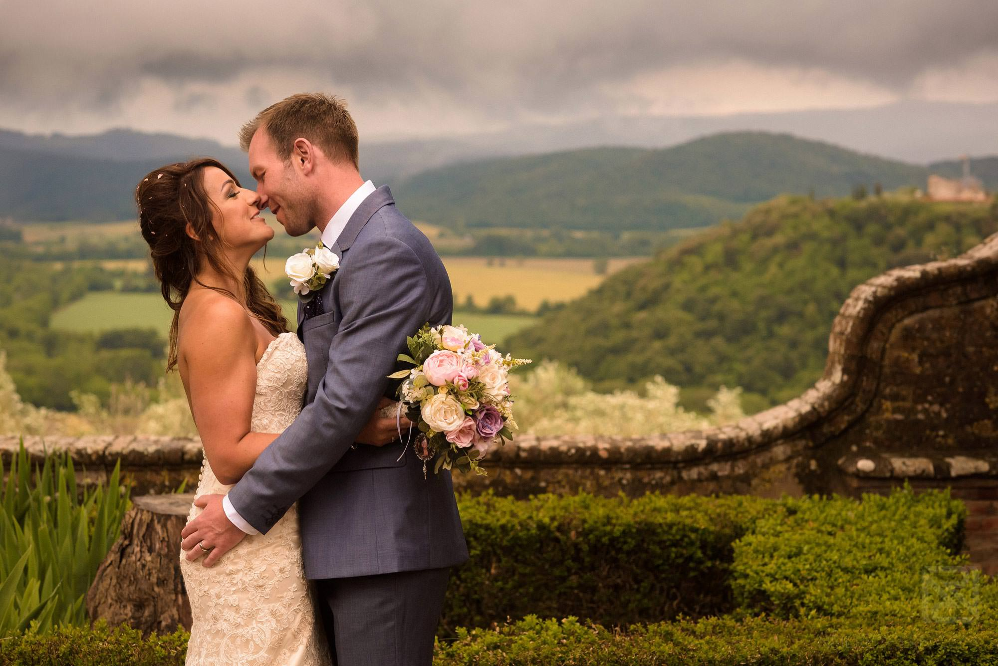 bride and groom photograph in Tuscany