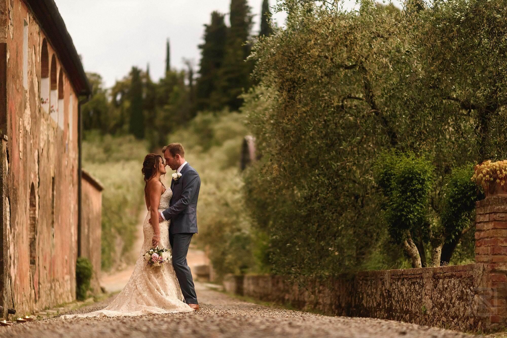 bride and groom portrait shot in Montestigliano