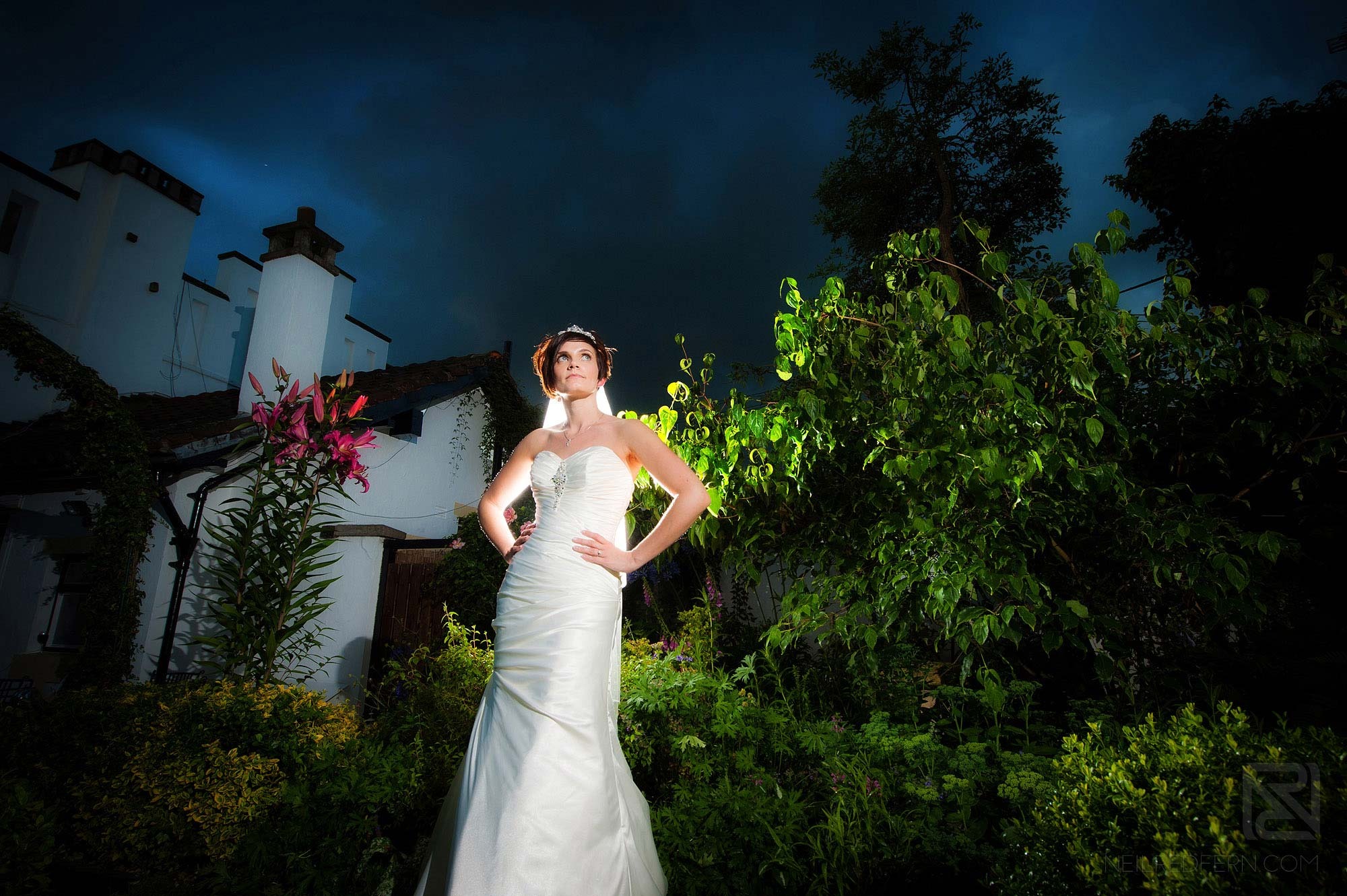 off camera flash portrait of bride outside the Belle Epoque