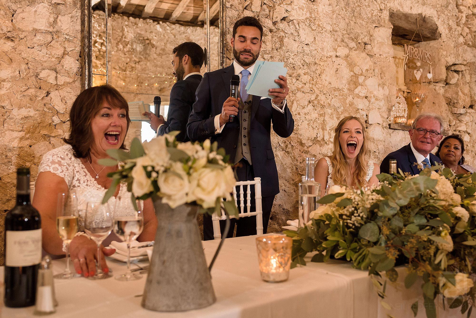 groom delivering speech at Chateau Soulac wedding