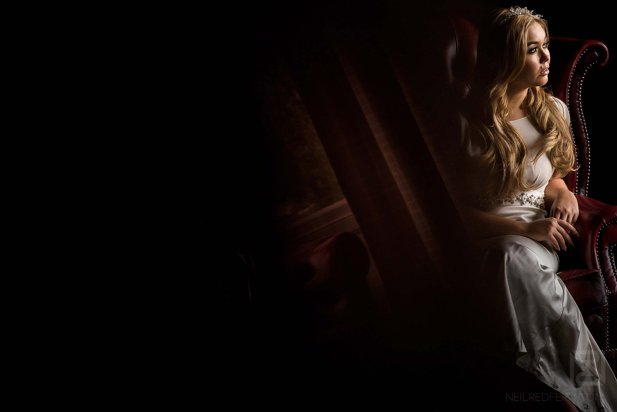 beautiful portrait of bride in natural light