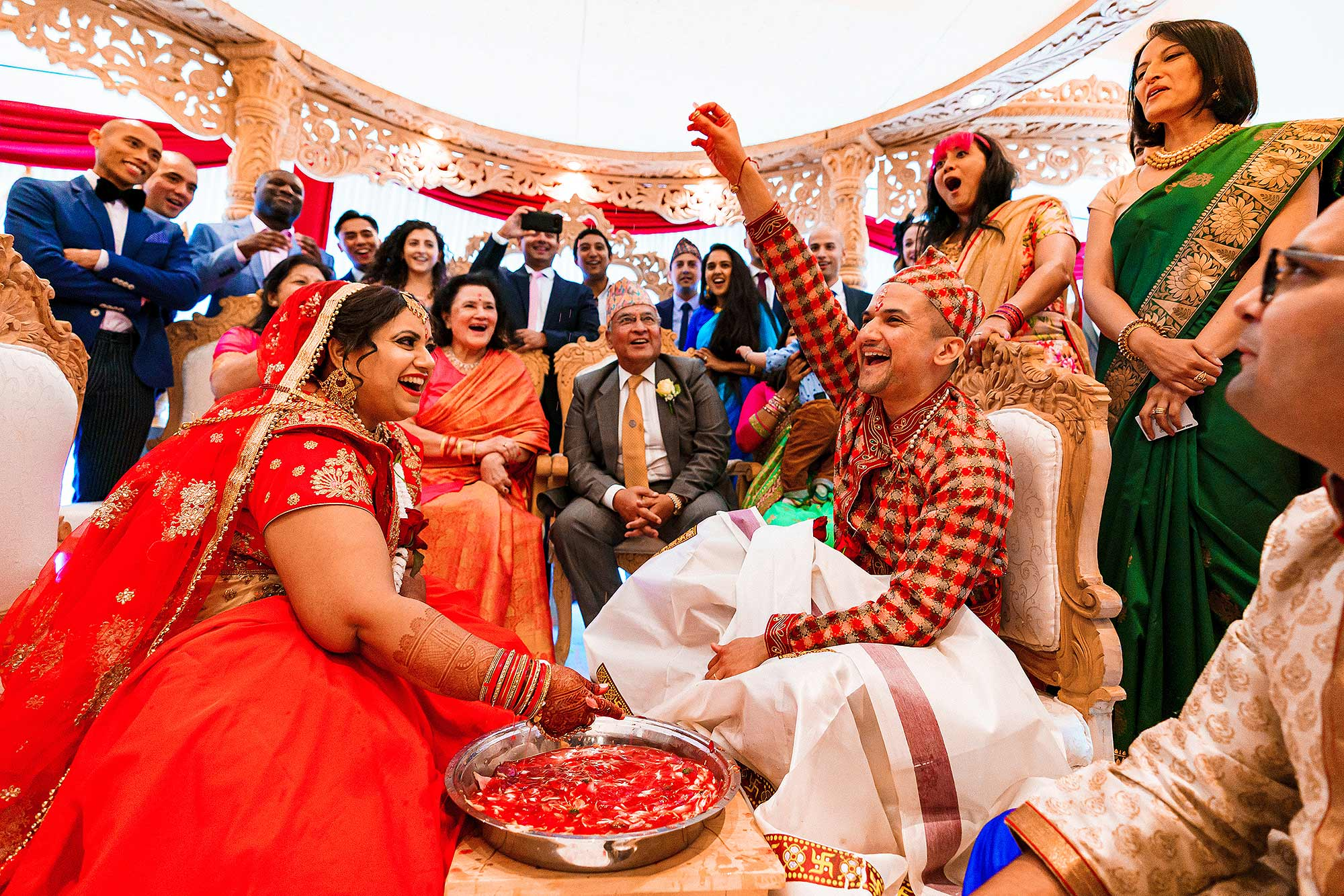 funny real moment during Indian Hindu wedding ceremony